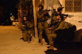 الاحتلال يعتقل 18 فلسطينيا خلال حملة مداهمات بالضفة