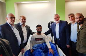 هنية ووفد قيادي من حماس يزورون جرحى مسيرات العودة في مصر