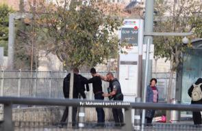 معاناة المقدسيين اليومية .. تفتيش للشبان وتشديدات أمنية في المدينة المقدسة