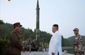 زعيم كوريا الشمالية بعد تأكيد نجاح إطلاق صاروخ باليستي: سنرسل هدية أكبر للأمريكان!