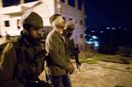 """الاحتلال يعتقل 30 مواطنًا بالضفة ومواجهات في """"قبر يوسف"""""""