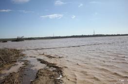 للمرة الثالثة خلال أسبوع.. الاحتلال يغرق أراضٍ زراعية بمياه الأمطار شرقي غزة