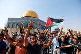 بالتكبير والتهليل.. الفلسطينيون يدخلون الأقصى لأول مرة منذ أسبوعين