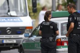 حادث غريب في برلين.. ألقى ابنه الرضيع من الطاق السابع وقفز خلفه!