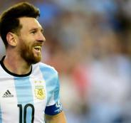 l-argentin-lionel-messi-apres-un-but-contre-le-venezuela-lors-de-la-copa-america-a-foxborough-massachusetts-le-19-juin-2016_5624273