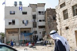 مستوطنون يستولون على منزل قرب الحرم الإبراهيمي بالخليل