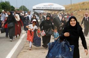 بدء توافد السوريين المقيمين في تركيا إلى معبر باب السلامة لقضاء إجازة العيد داخل الأراضي السورية