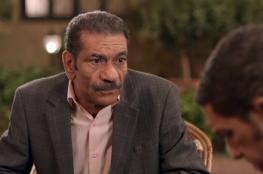 ممثل مصري يلعب أحد أدواره على أرض الواقع من أجل عيون عروس يتيمة