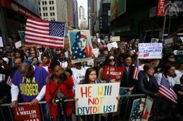 تظاهرات متواصلة ضد ترامب في شيكاغو ونيويورك