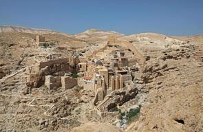 دير مار سابا للروم الأرثوذكس يطل على وادي الجوز في بلدة العبيدية شرقي بيت لحم