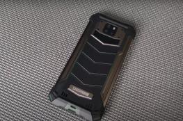 فيديو .. هاتف مصفّح ببطارية تدوم لفترات طويلة !