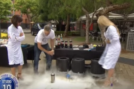 فيديو | مذيعة كاد يطير رأسها بصاروخ يدوي على الهواء