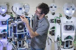 هل تحيل الروبوتات الإنسان إلى البطالة؟