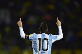 مدرب برشلونة يتغزل بمهاجمه الأرجنتيني ليونيل ميسي