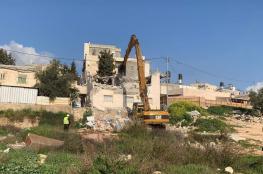 فيديو .. الاحتلال يهدم منزلا في العيسوية بالقدس