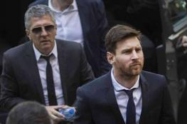 والد ميسي يؤكد صعوبة استمرار ابنه مع برشلونة