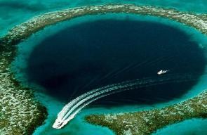 الثقب الأزرق... علماء يكتشفون أغرب مكان على وجه الأرض