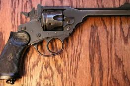 """مسدس """"أبو فريد"""".. السلاح الذي بدأت به حركة حماس العمل العسكري"""