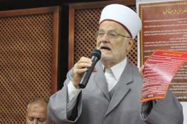 الشيخ عكرمة صبري يصدر فتوى بجواز تقديم موعد إخراج الزكاة