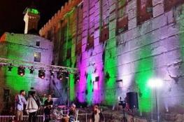 خلال التراويح والفجر.. حفلات للمستوطنين بساحات المسجد الإبراهيمي