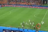 """تصرف """"حكيم"""" أنقذ الجزائر من هدف مباغت أثناء احتفال اللاعبين بهدفهم القاتل"""
