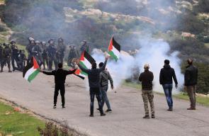 الاحتلال يقمع مسيرة متوجهة إلى الأغوار الشمالية عند حاجز تياسير شرق طوباس