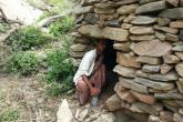 الأمم المتحدة: أسر يمنية اضطرت للعيش في الكهوف بسبب الحرب