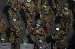 """نيويورك تايمز: جيش ميانمار يستخدم مركبات حربية """"إسرائيلية"""" لقمع المتظاهرين"""