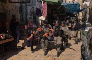 إصابات واعتقالات باعتداء قوات الاحتلال على المقدسيين عند باب المجلس