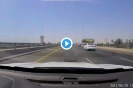 شاهد: لحظة تصادم مروع في السعودية.. والسبب هاتف محمول!