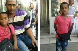 """على أمل لقائه...اللاجئ """"حسام حميد"""" يواصل البحث عن طفله المفقود في حادث غرق منذ 3 سنوات"""