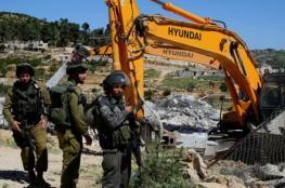 الاحتلال يهدم ثلاث منشآت في العيسوية بالقدس المحتلة