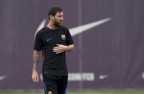 مشاهد من تدريبات فريقي برشلونة وريال مدريد استعداداً لخوض المباراة النهائية لكأس السوبر الإسباني الليلة