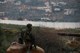 الاحتلال يطلق منطادا ويرفع سواتر ترابية على الحدود اللبنانية