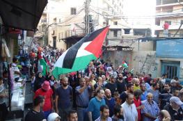 ترافقت مع جلسة الحكومة.. إضراب واحتجاجات فلسطينية بلبنان رفضًا لقانون العمل