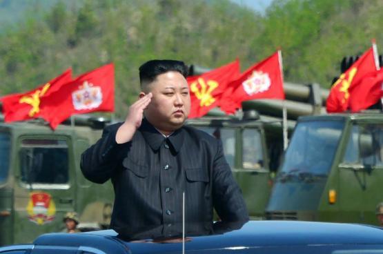 """كيم يصف ترامب بـ""""المختل عقليا"""""""
