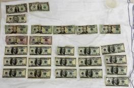 العثور على 1800 دولار في معدة لاجئ سوري