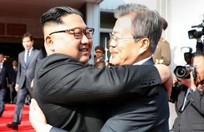 اجتماع مفاجئ بين زعيمي الكوريتين في المنطقة منزوعة السلاح