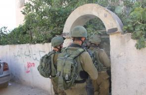قوات الاحتلال تقتحم حي الحريقة في الخليل