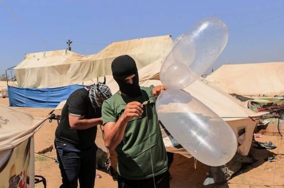 وحدة البالونات الحارقة تؤكد استمرار إطلاق البالونات حتى فك الحصار