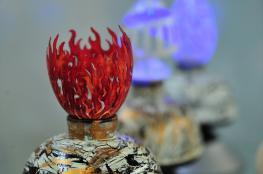 فنان تركي يبدع في إنتاج تحف من خلال النقش على البيض