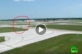 شاهد طائرة أمريكية تتجنب كارثة في ثوان معدودة!