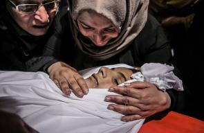 غزة تتوشح بالحزن خلال وداعها لشهيديها الربعي والأشقر