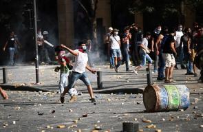 مواجهات في بيروت بين آلاف اللبنانيين الغاضبين وقوى الأمن