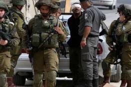 قوات الاحتلال تعتقل 14 مواطنا من الضفة بينهم فتية