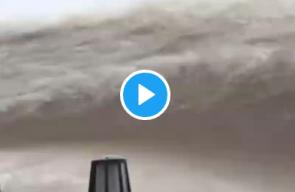 فيديو مروع... فيضانات تقتلع المنازل في الصين