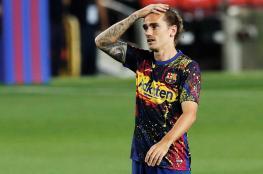 والد غريزمان يوجه انتقادات شديدة لمدرب برشلونة.. لماذا؟