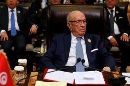السبسي: على الحكومة إنهاء الأزمة أو الاستقالة