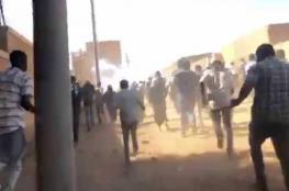 """تواصل الاحتجاجات بالسودان والحزب الحاكم يطلق مبادرة لـ""""جمع الشمل"""""""