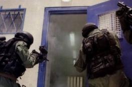 """قوات القمع تعتدي على الأسير ناصر عويس في عزل """"أيلون الرملة"""""""